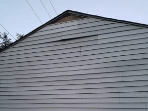 siding repairs before 1 300x225